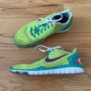 Nike Women's Free Fit 2 Sneakers